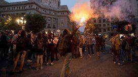 La policía reprimió a manifestantes a un año del referéndum por la independencia de Cataluña