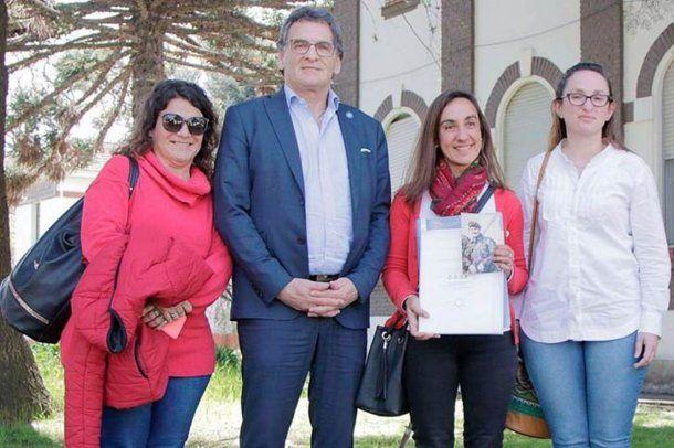 María Fernanda Araujo, Claudio Avruj, Lorna y Victoria Márquez.