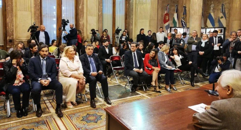 La oposición no dio quórum y Carrió se quedó sin presidir la bicameral de Ministerio Público.