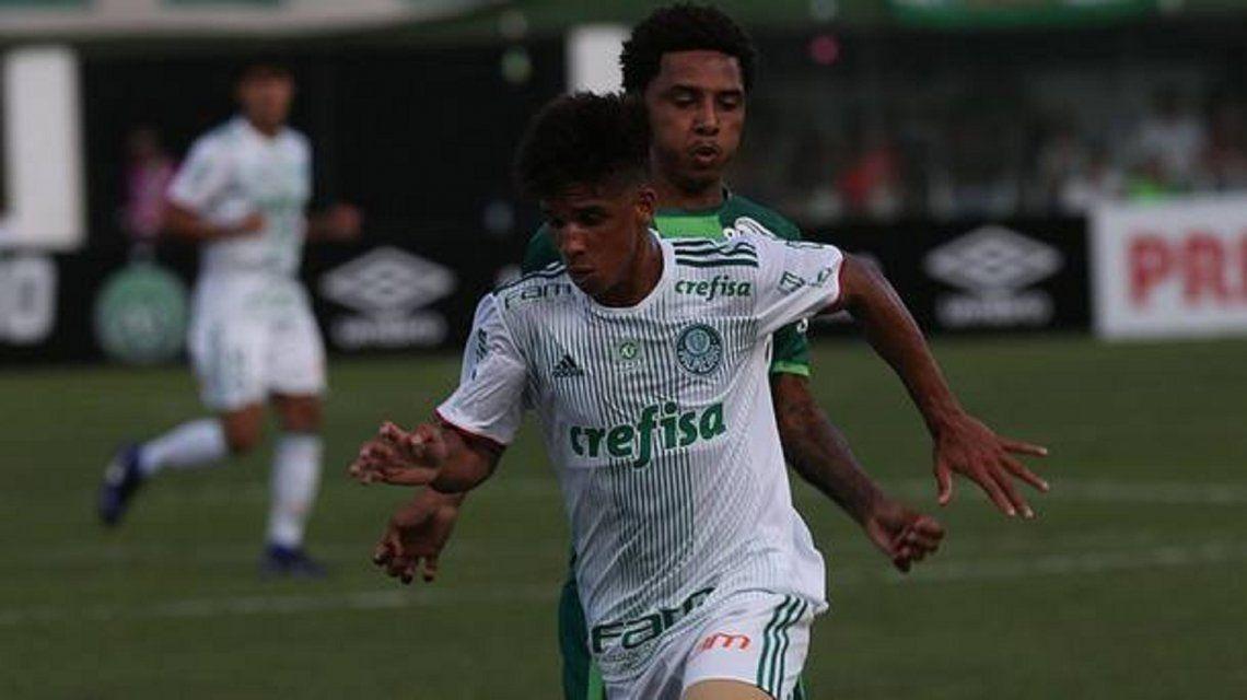 Victor Hugo Santana Carvalho.