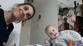 La desopilante charla de una mamá y su beba que se niega a comer