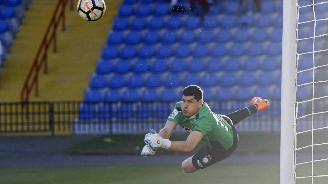 Todo por Boca: el boliviano Carlos Lampe tampoco viajará con su Selección para firmar con el Xeneize
