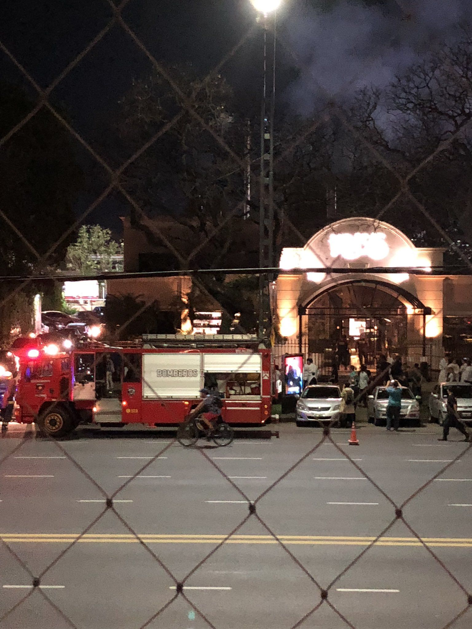 Incendio en el restaurante Kansas - Crédito:@candela_booth