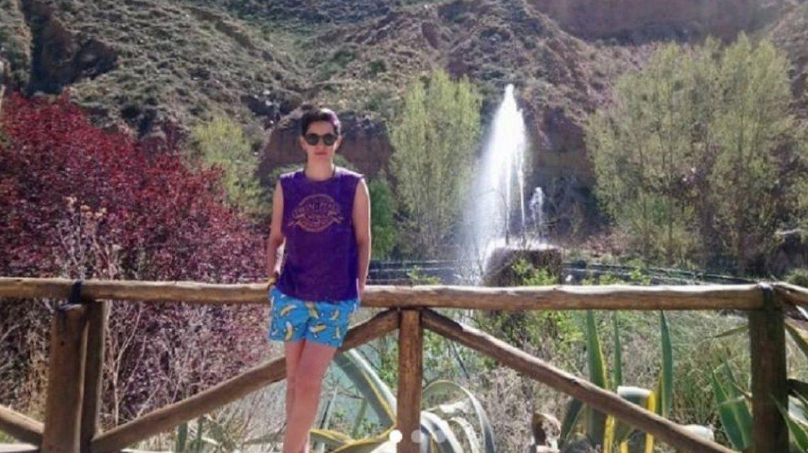 Solange Acosta denunció que la obligaron a sacarse el short para bañarse en una pileta.