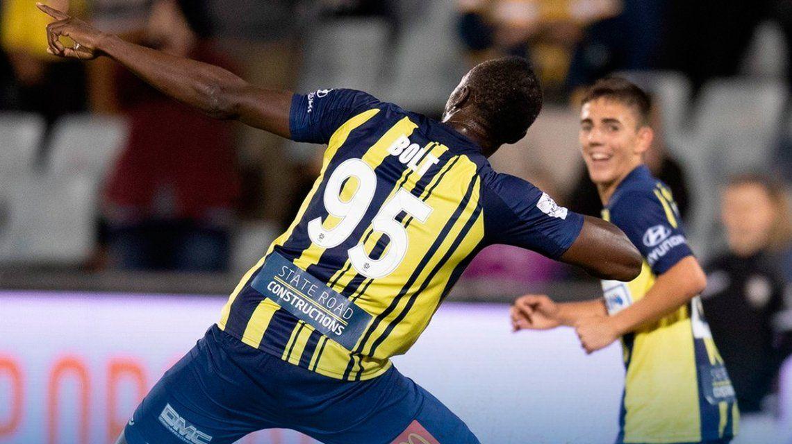 En su debut como titular, Bolt convirtió dos goles