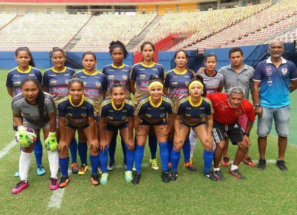 <div>Equipo de fútbol femenino Manicoré - Crédito: Rui Costa</div>