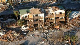 Al menos 17 muertos y una impresionante destrucción dejó el huracán Michael en su paso por EE.UU.