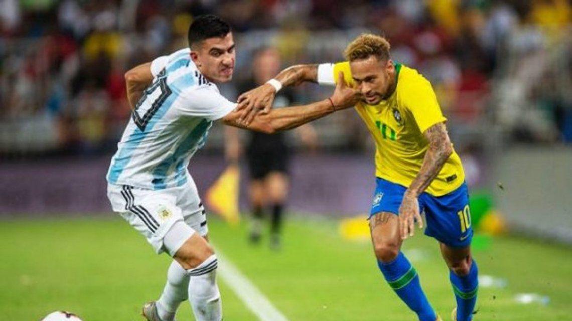Correa lucha con Neymar