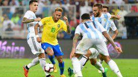 Neymar fue controlado por la defensa argentina por casi todo el partido