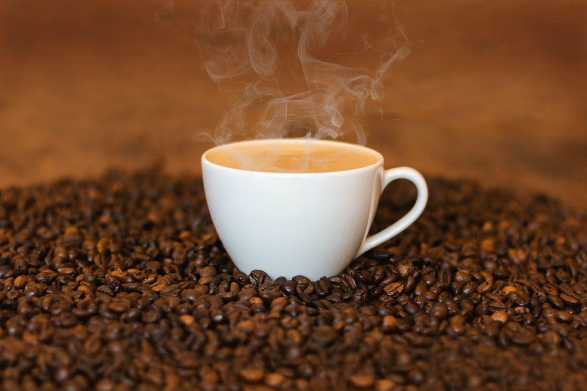La Anmat prohibió un café instantáneo y unos duraznos enlatados