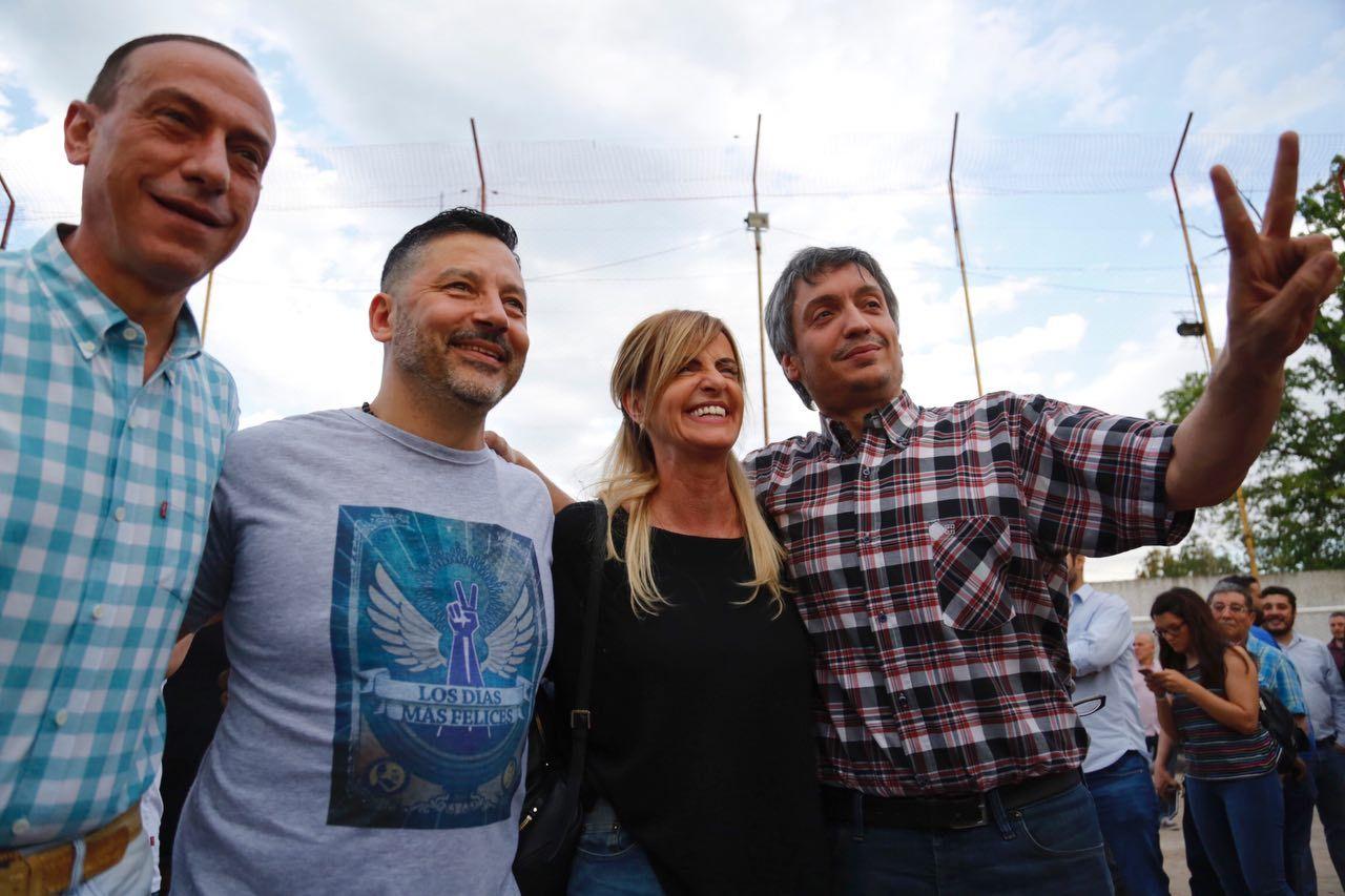 Máximo Kirchner no emitió un discurso pero saludó a los militantes