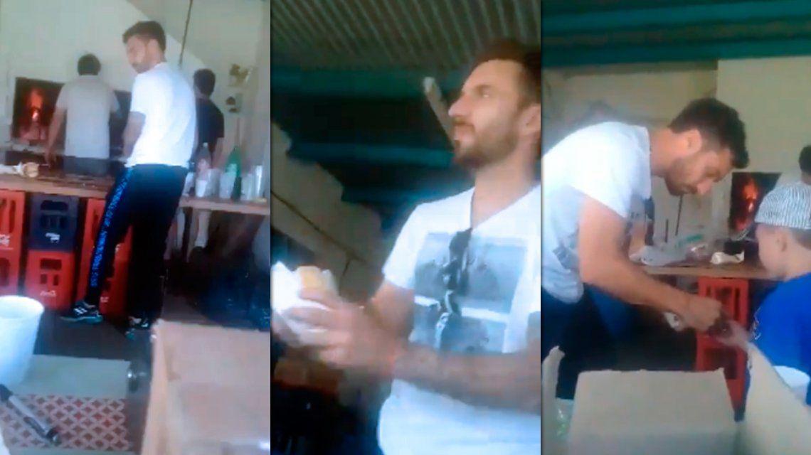 VIDEO: Scocco vende choripanes y se vuelve viral