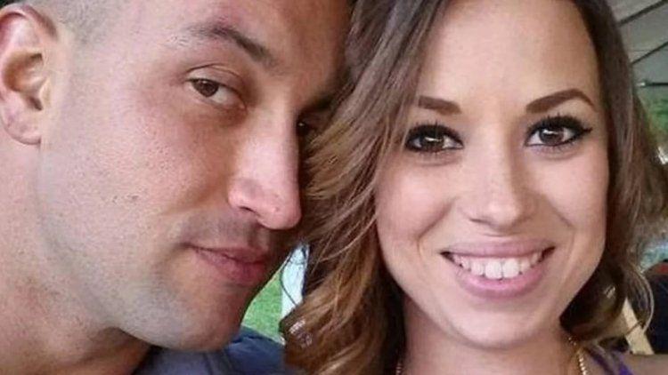 Publicó fotos de su mujer e hija en el ataúd para pedir justicia