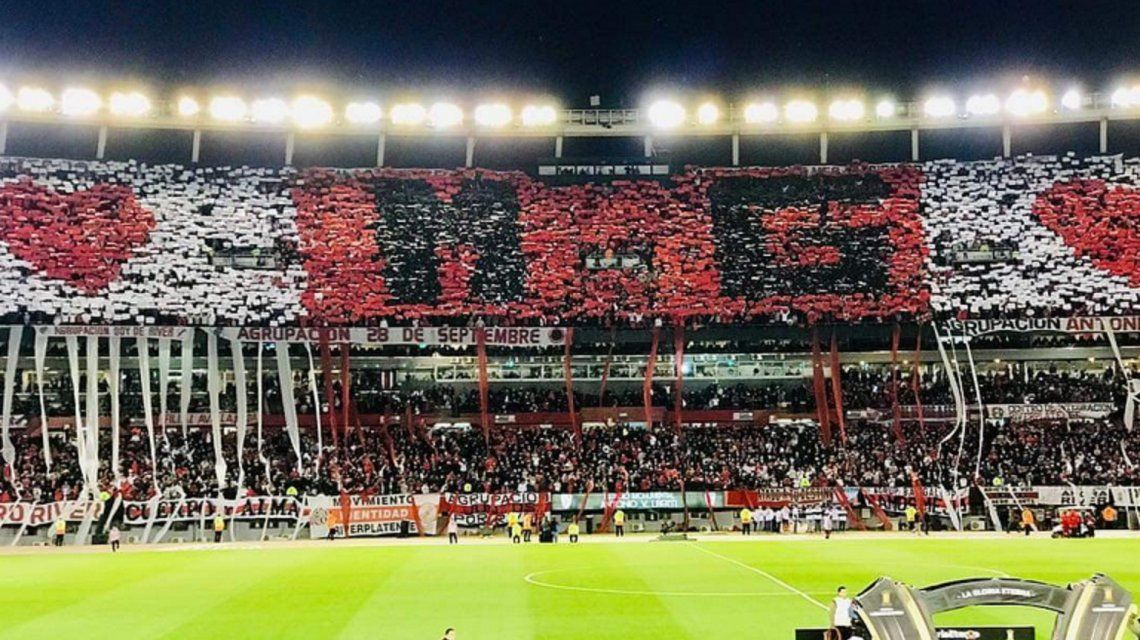 VIDEO: El emotivo homenaje de la hinchada de River a Marcelo Gallardo