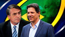 Hoy es el balotaje en Brasil: Bolsonaro espera tranquilo, mientras que Haddad aspira a un batacazo