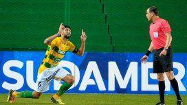 Alexander Barboza celebra su gol