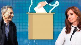 A un año de las elecciones Macri y el PJ enfrentan sus propios fantasmas: crisis y división