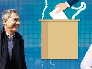 a un ano de las elecciones macri y el pj enfrentan sus propios fantasmas: crisis y division