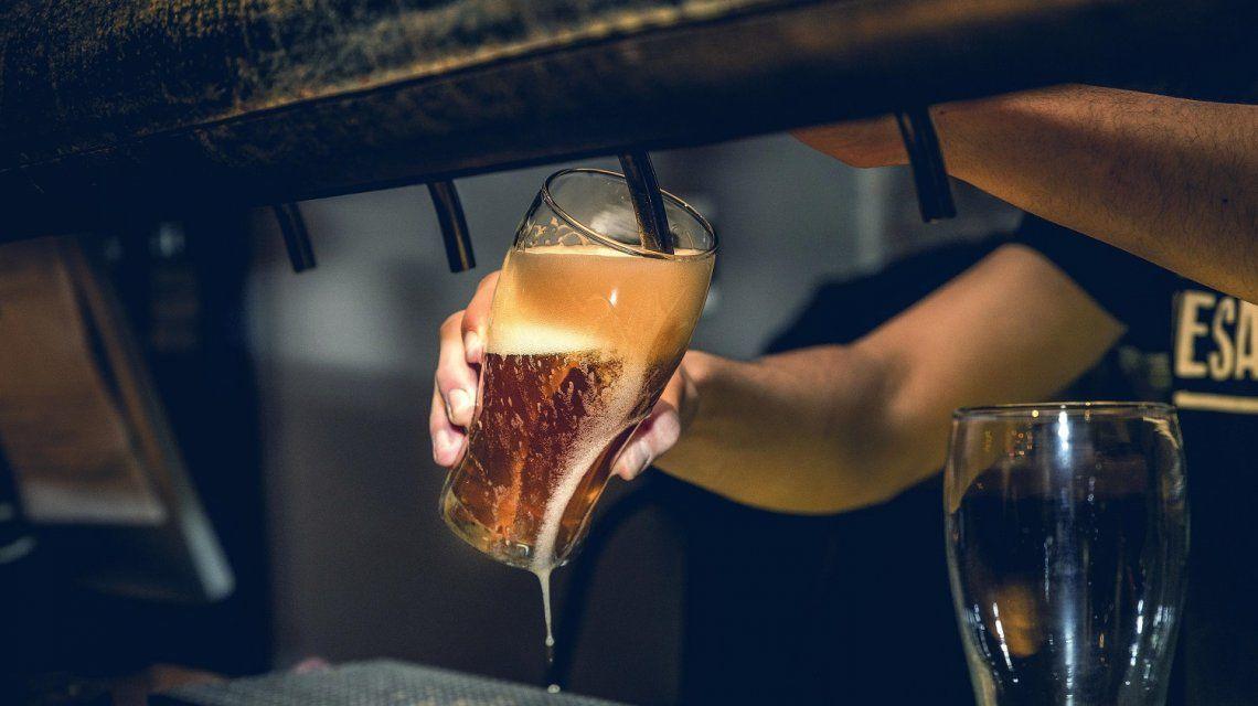 Cerveza y buena música para celebrar Halloween como corresponde