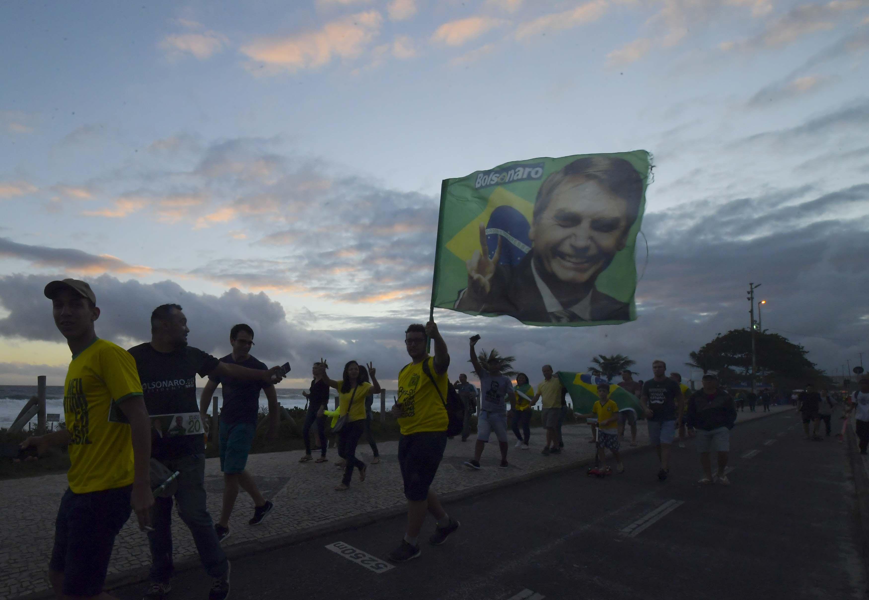 A horas de la asunción de Bolsonaro, la policía de Brasil realizó allanamientos por amenazas