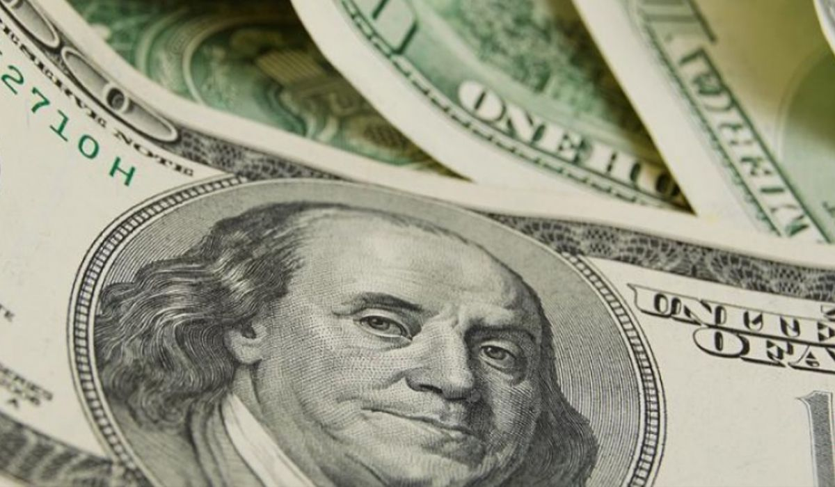 El dólar arrancó noviembre a la baja y cerró a 36,76 pesos