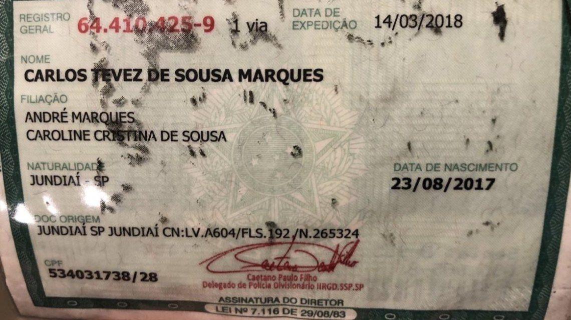 Carlos Tevez de Sousa Marques se llama el pequeño