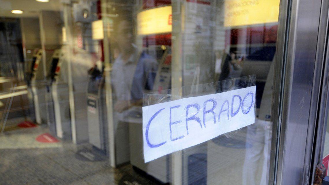 Los bancos permanecerán cerrados el próximo martes