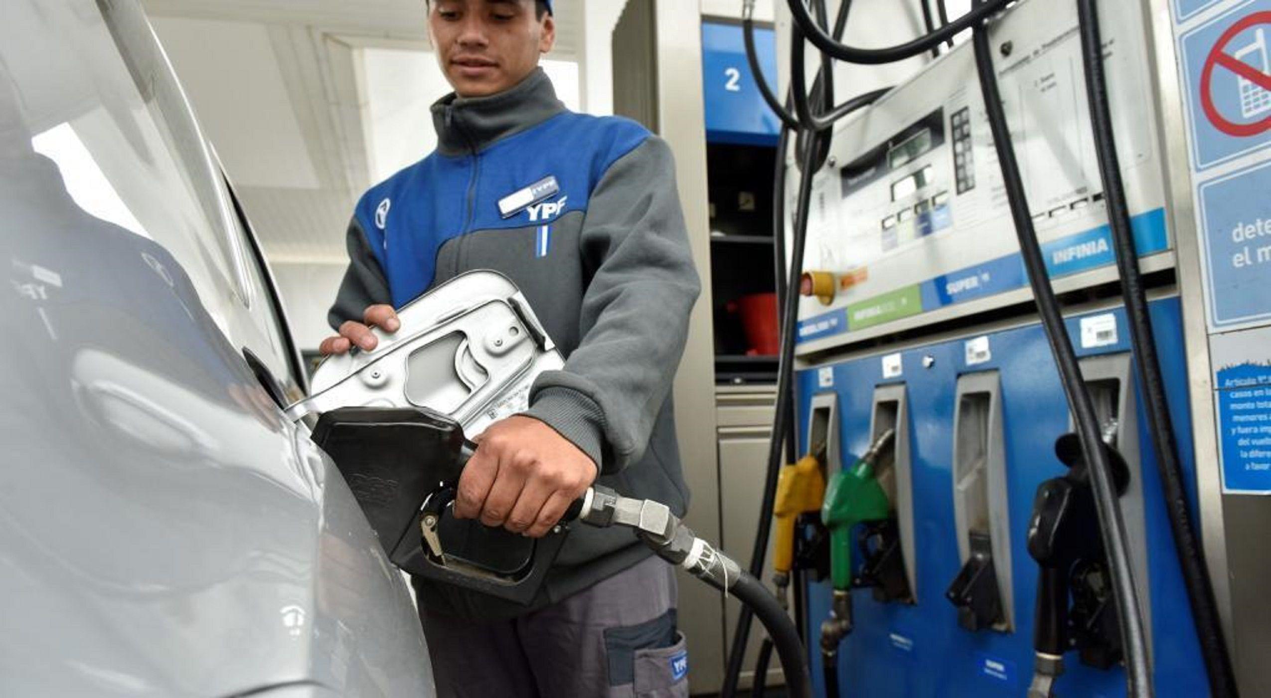 El viernes aumenta la nafta: subirán al menos un 2,5%