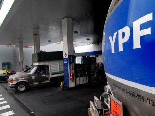 el ceo de ypf aseguro que los precios de los combustibles estan 20% atrasados