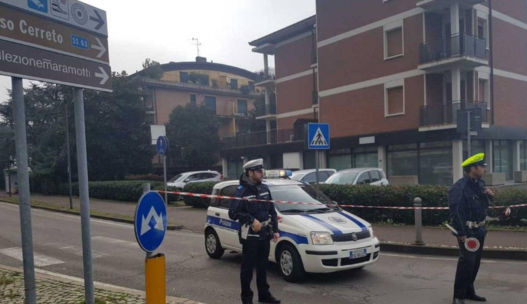Se entregó el mafioso que tenía 4 rehenes en una oficina de correos en Italia