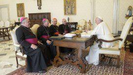 La Iglesia cuestionó al Gobierno por la crisis económica y por los ataques al Papa