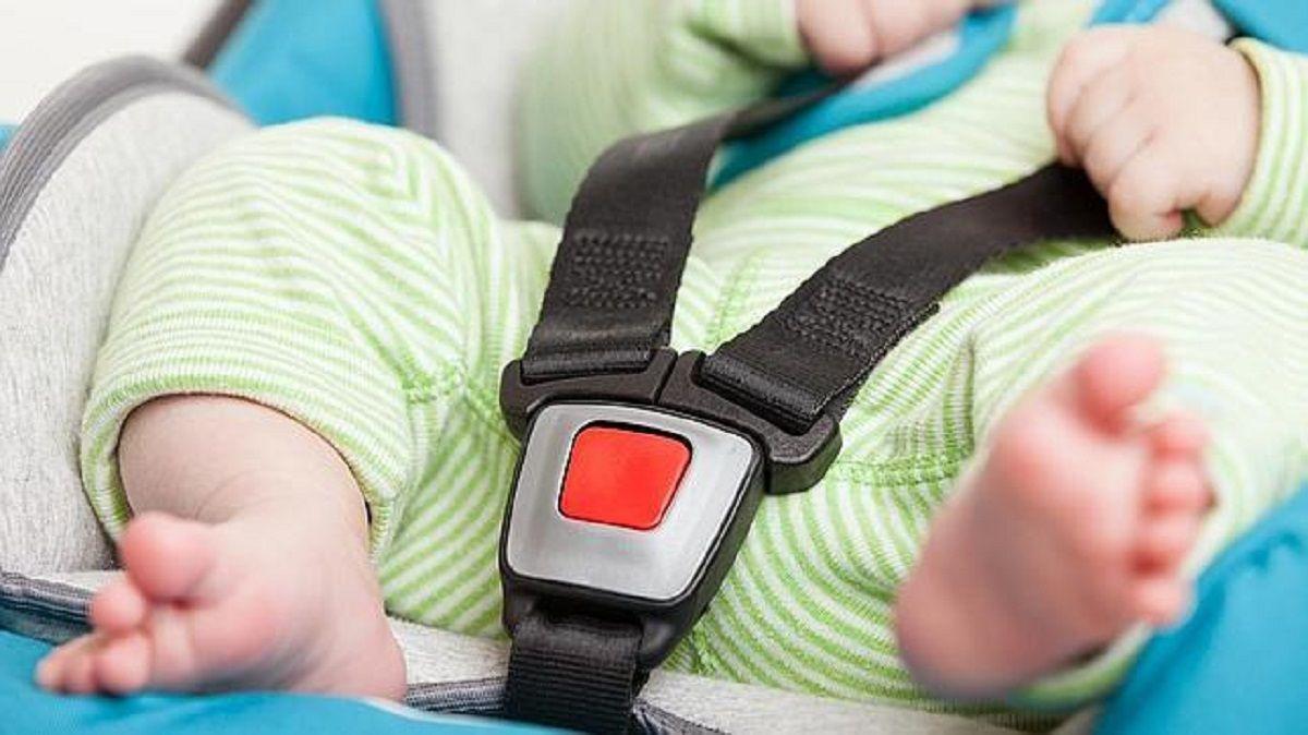 Tragedia en Santos Lugares: por qué están expuestos los bebés si quedan encerrados en el interior de un auto