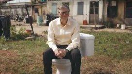De la computación, al baño: Bill Gates presentó un inodoro que funciona sin agua