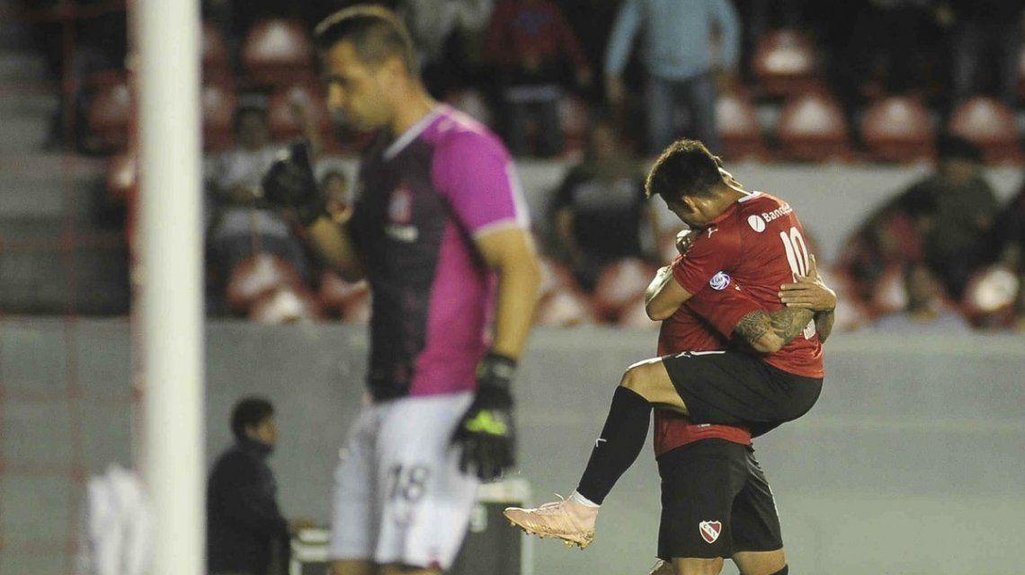 Independiente aplastó a San Martín de Tucumán y se prende en la lucha