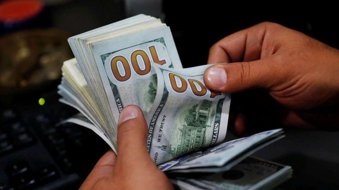 El dólar sube luego de la baja de la semana pasada