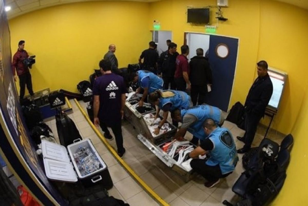 Polémica por la inspección que hizo la policía de la utilería de River en la Bombonera