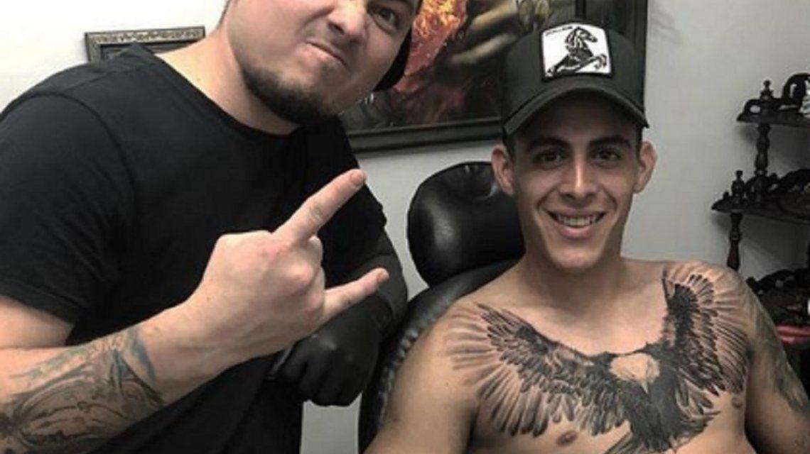Después de tatuarse en la previa, Pavón sólo duró 26 minutos en el Superclásico