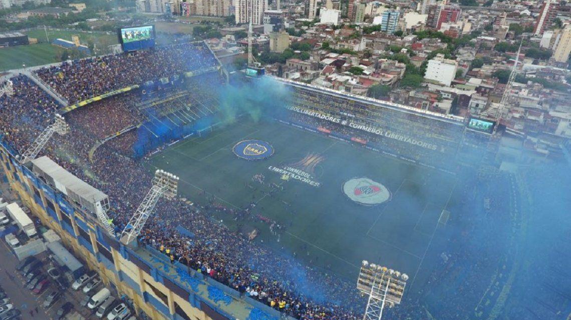 VIDEO: Así fue el recibimiento de Boca en la Bombonera por la Superfinal