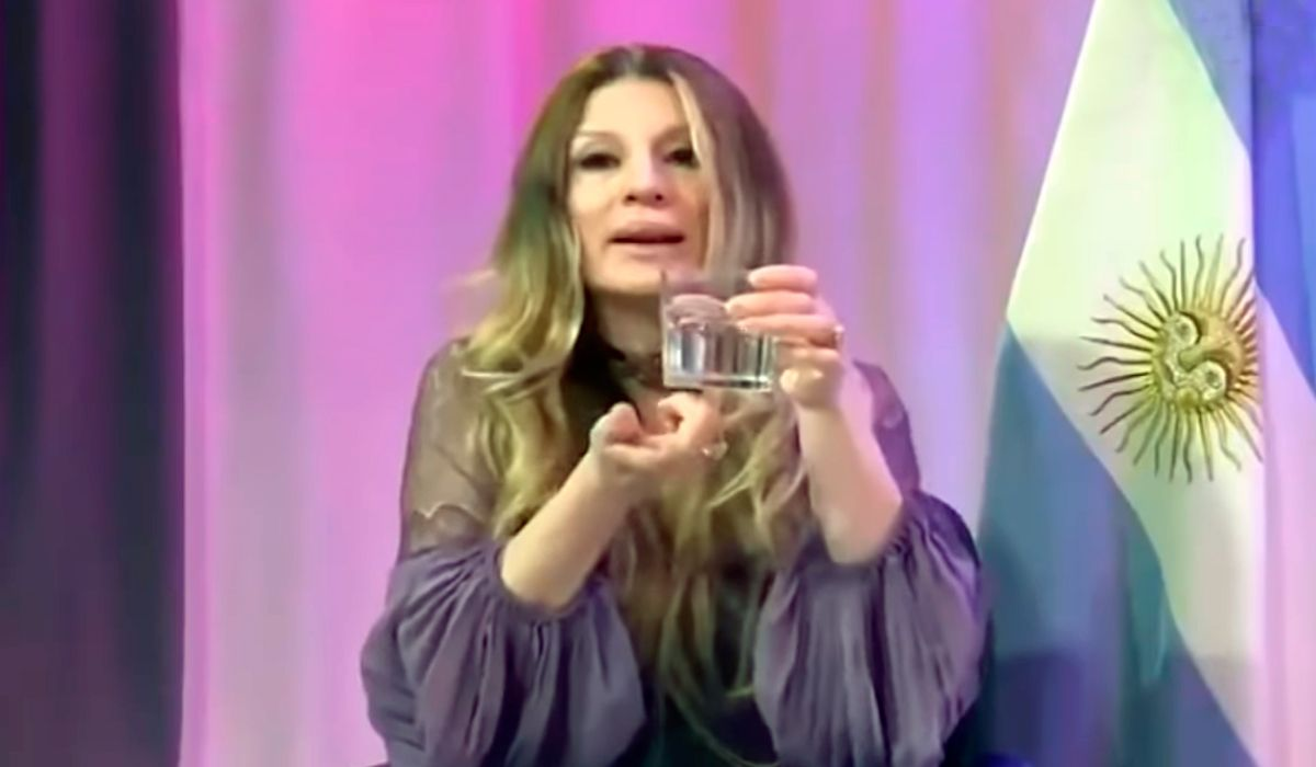 Gisela Barreto, metáforas y sexo: ¿puedo hacer lo que quiera con mi vaso?