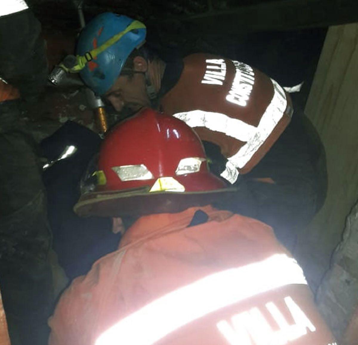Villa Constitución: se derrumbó una casa y murió una embarazada de 8 meses