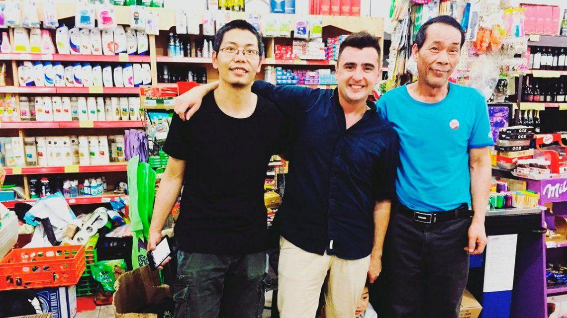 El periodista que se burló de un chino en el programa de Azzaro pidió disculpas de una manera insólita