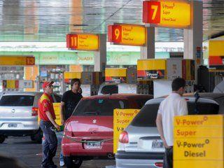 tras la medida de ypf, shell tambien baja el precio de la nafta