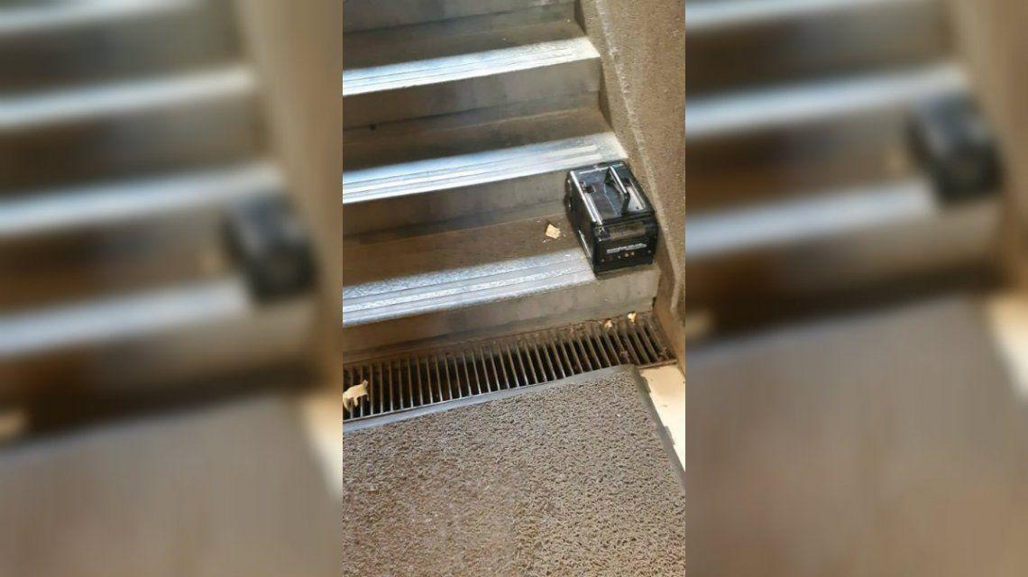 Evacuaron la zona del Obelisco por un objeto extraño que resultó ser una TV portátil