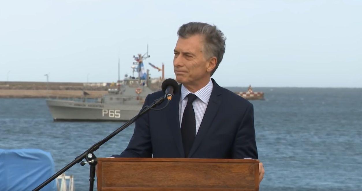 Macri: Tengo la profunda esperanza de que en pocos días esta bandera será plantada en el mar