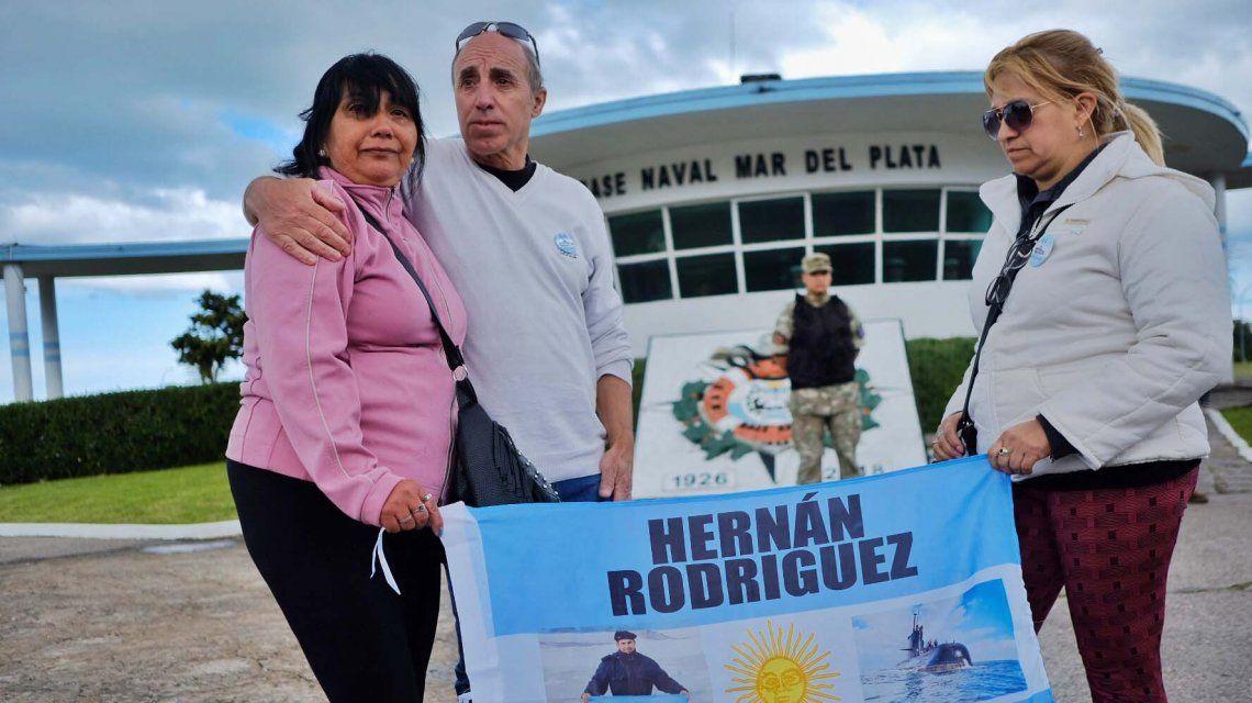 Los familiares de los 44 del ARA San Juan se reunieron en la Base de Mar del Plata