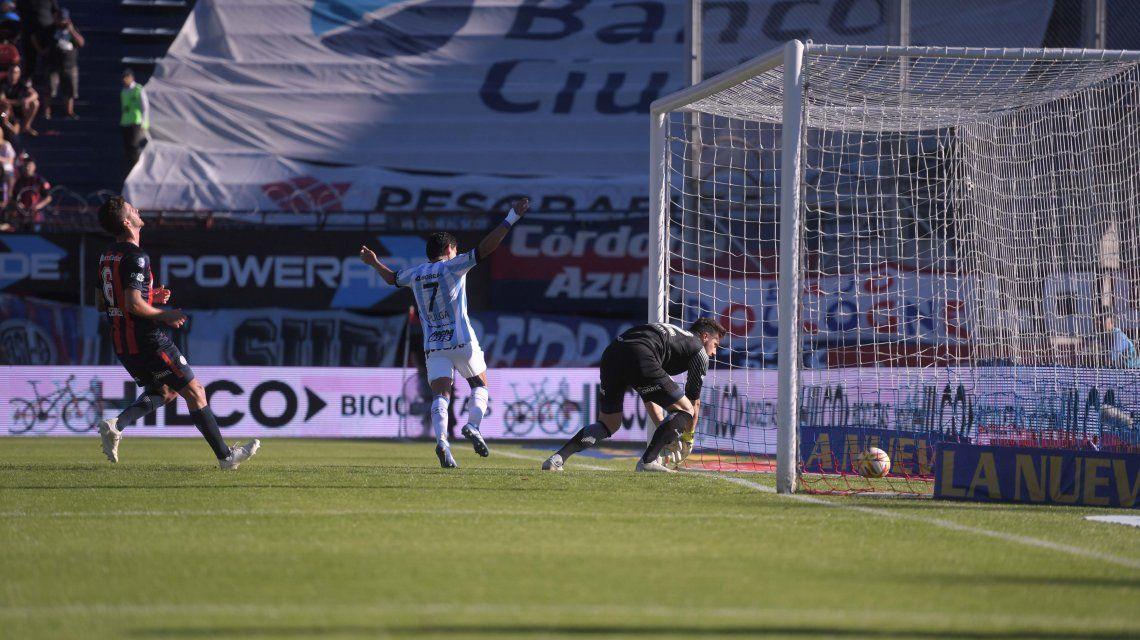 San Lorenzo no levanta cabeza: perdió contra Atlético Tucumán y quedó lejos de la punta