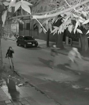 VIDEO: Motochorros balearon a un joven en Temperley