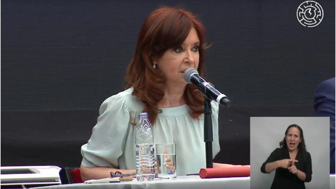 Cristina Kirchner en la contracumbre al G20: Los Hitler modernos acusan a los inmigrantes por la falta de trabajo