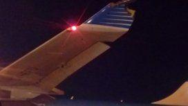 Celebraban el retiro de un piloto y chocó un avión de Aerolíneas contra un camión de bomberos
