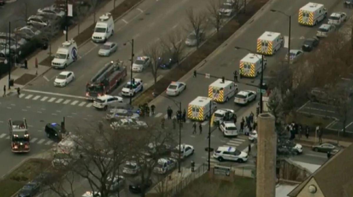 Tres víctimas y un atacante muertos en un tiroteo en el Hospital Mercy de Chicago